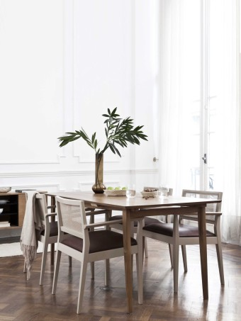 Charco dining table