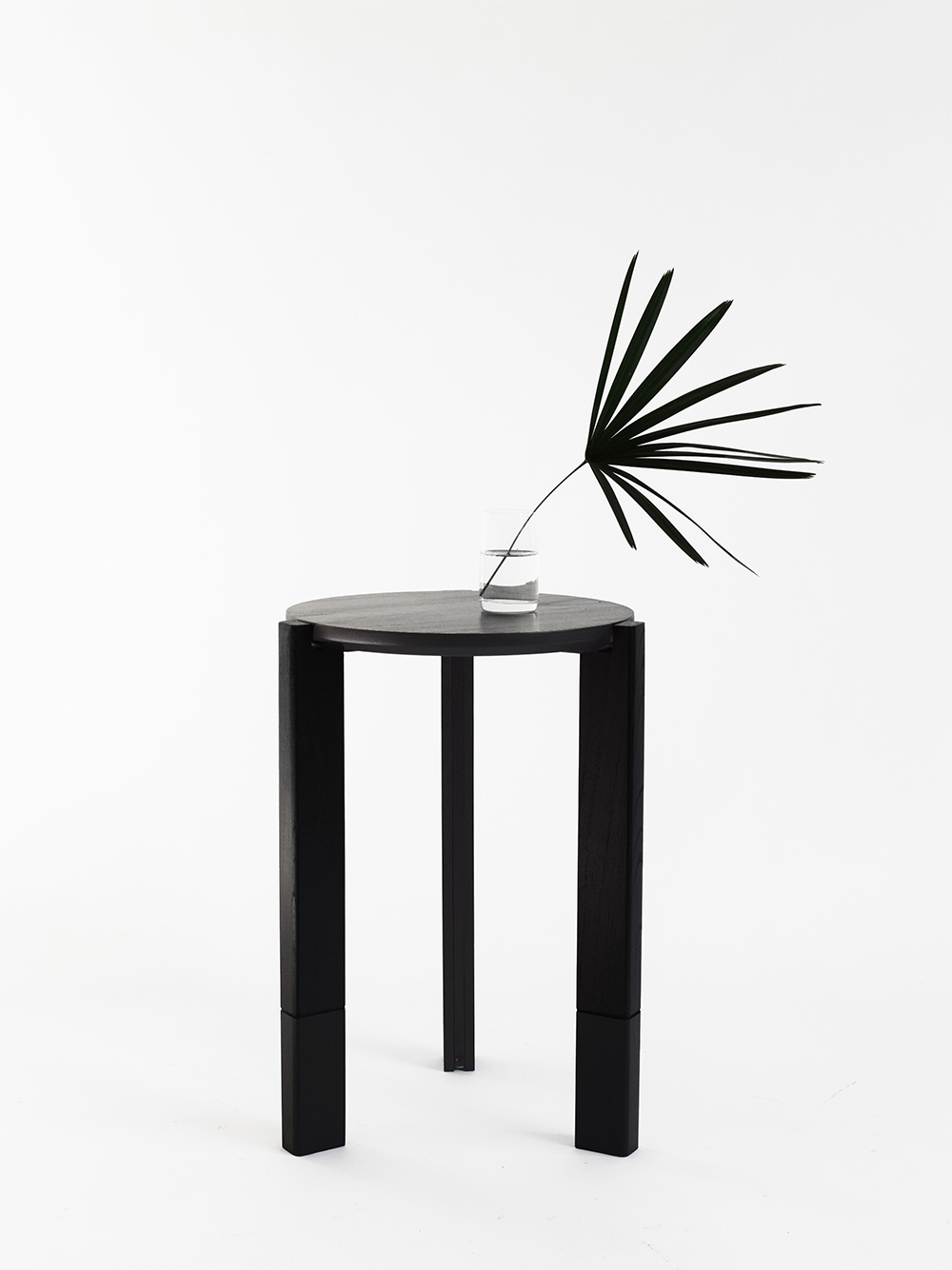 HECTÁREA – SIDE TABLE